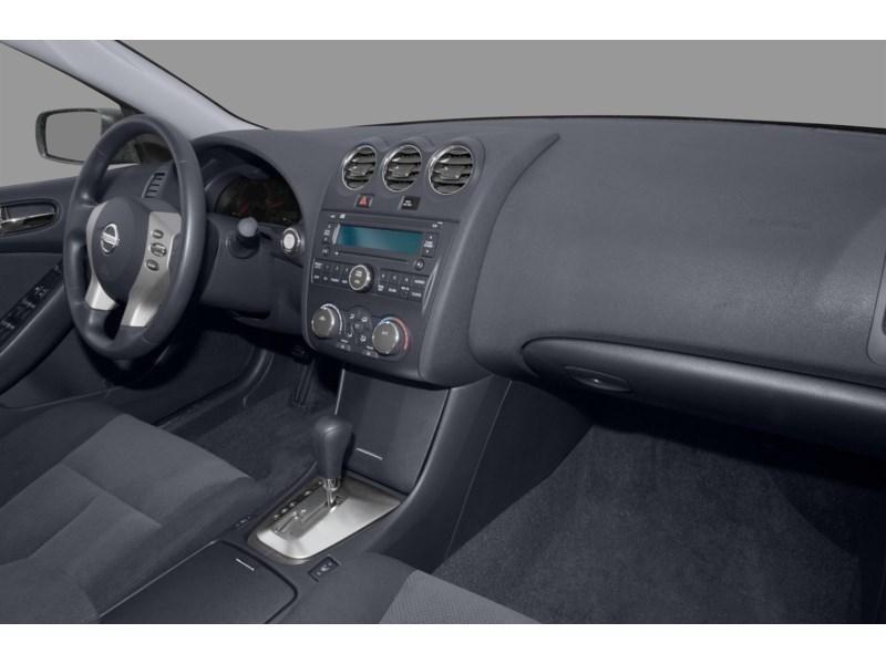 2008 Nissan Altima 2.5 S Interior Shot 1
